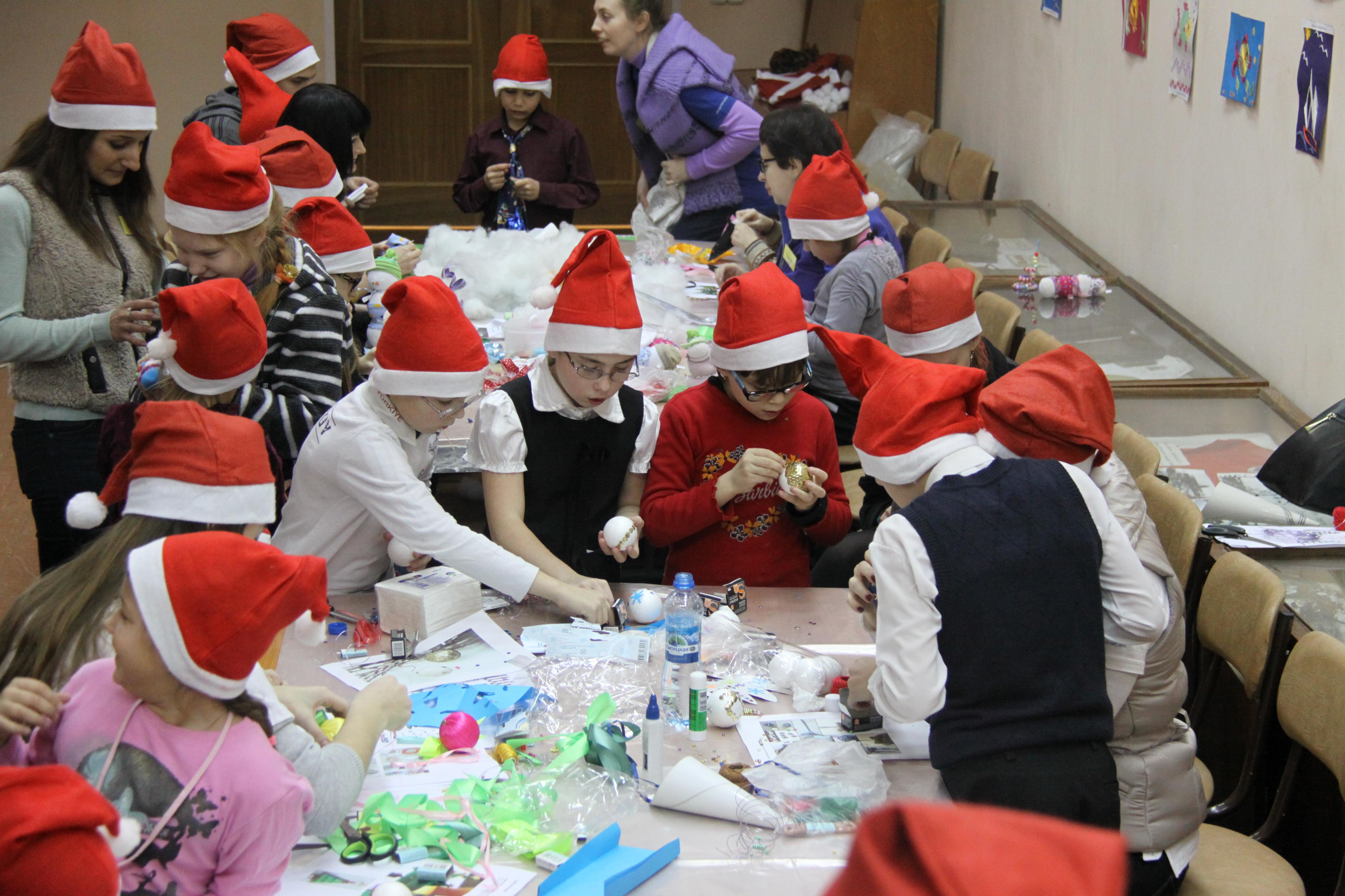 Равные возможности для всех: шефство волонтеров «Газпром нефти» над Мгинской школой-интернатом для слабовидящих детей