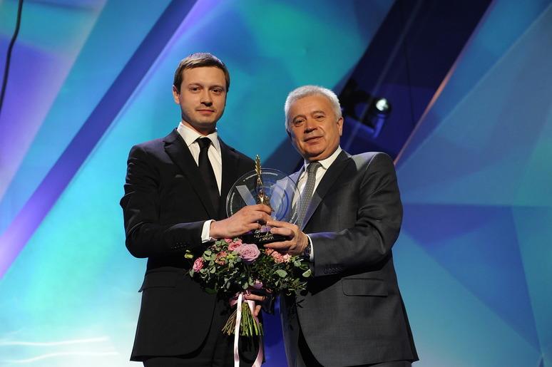 Илья Ковалев (слева) Вагит Алекперов (справа)