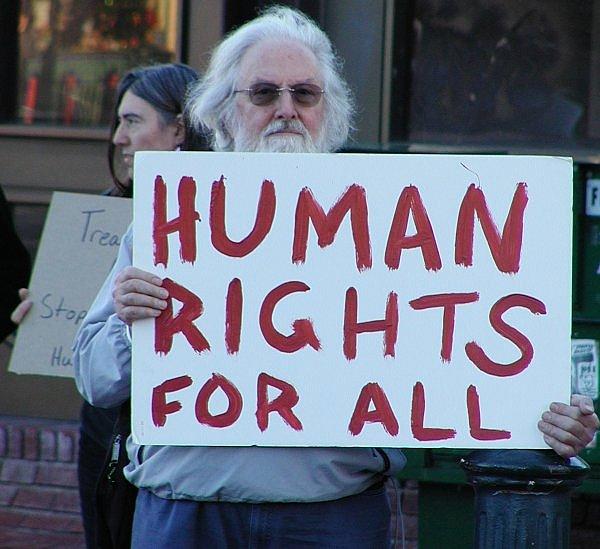 Корпоративный мир продвигается вперед в вопросах прозрачности правам человека