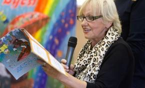 Известная писательница Раиса Боровикова провела специальные уроки белорусского языка народной земле