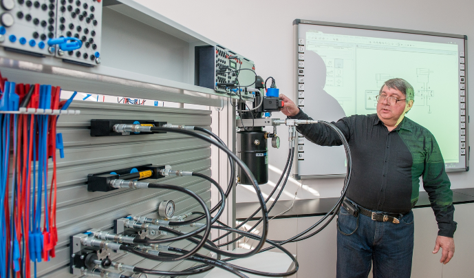 Метинвест инвестировал 14 млн грн в создание современного учебного центра для металлургов
