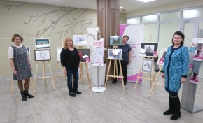 """В Клинико-диагностическом центре МЕДСИ на Красной Пресне открылась выставка творческих работ участниц программы """"Женское здоровье"""""""