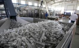 Бутылки для воды будут делать из опилок и картона