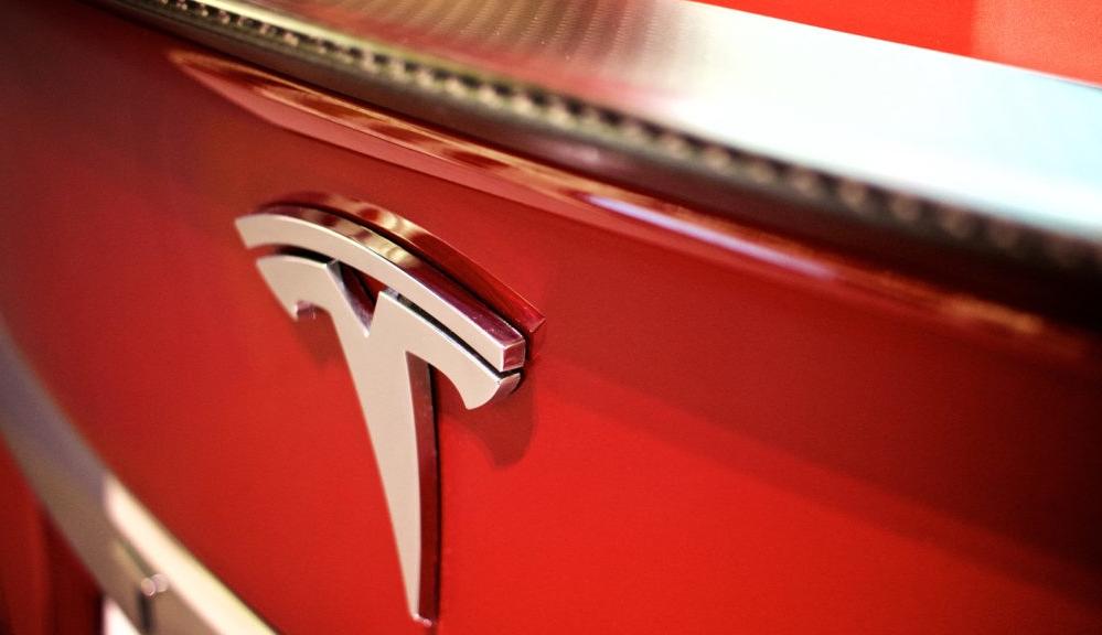 Tesla открывает компанию по переработке батарей?