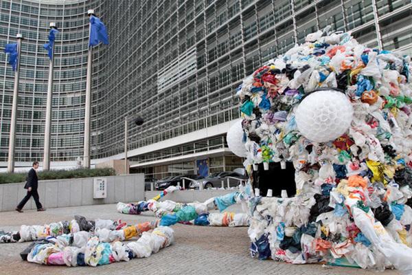 В Брюсселе ввели запрет на одноразовые пластиковые пакеты
