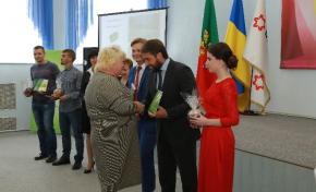 Группа Метинвест потратит на обустройство криворожских дворов 5,5 млн грн