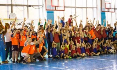 Воспитанники детских домов сыграли в финале благотворительного проекта «Я выбираю футбол»