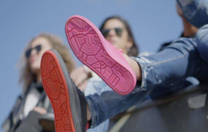 Голландцы создали кроссовки из жвачки