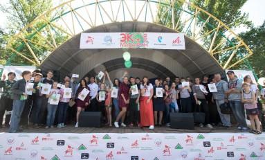 Каждой школе – по аллее: «Ростелеком» поддержал «Экомарафон-2018» в Саратове