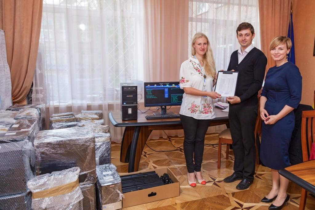 «Амадеус Украина» обеспечила компьютерами общеобразовательную киевскую школу