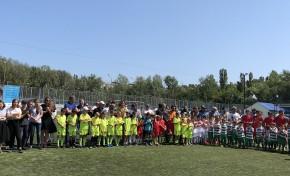 «Ростелеком» поддержал самый массовый детский футбольный турнир «Кожаный мяч» в Махачкале