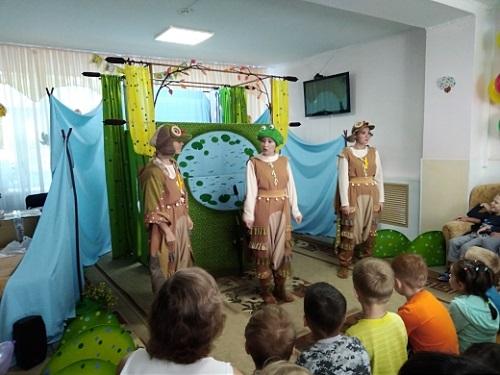 «Ростелеком» привез спектакль особенным Алтайским детям