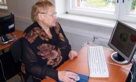 200 «Азбук интернета» пополнили библиотеку Центра комплексного социального обслуживания в Архангельске