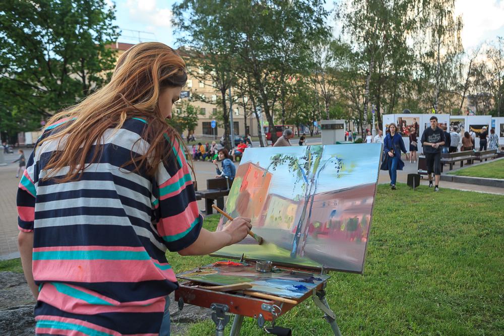 Арт-галерея под открытым небом: на площади Якуба Коласа откроется ежегодный проект «Художник и город»