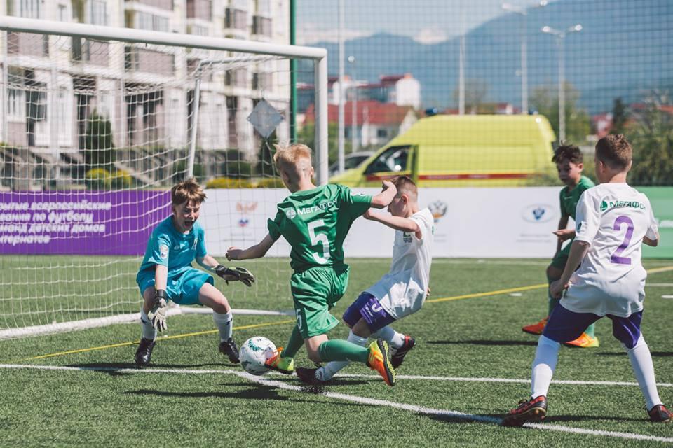 18 детских команд сразятся в финале турнира «Будущее зависит от тебя» за путевку в летнем футбольном лагере ФК «Барселоны»
