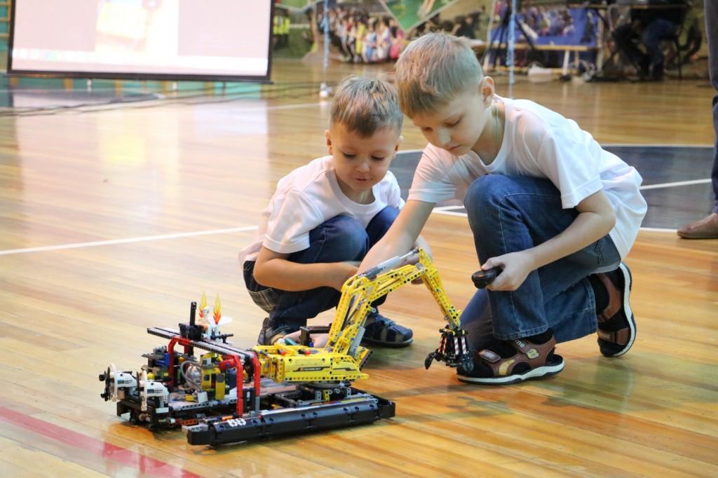 Робототехника – первый шаг к открытию.