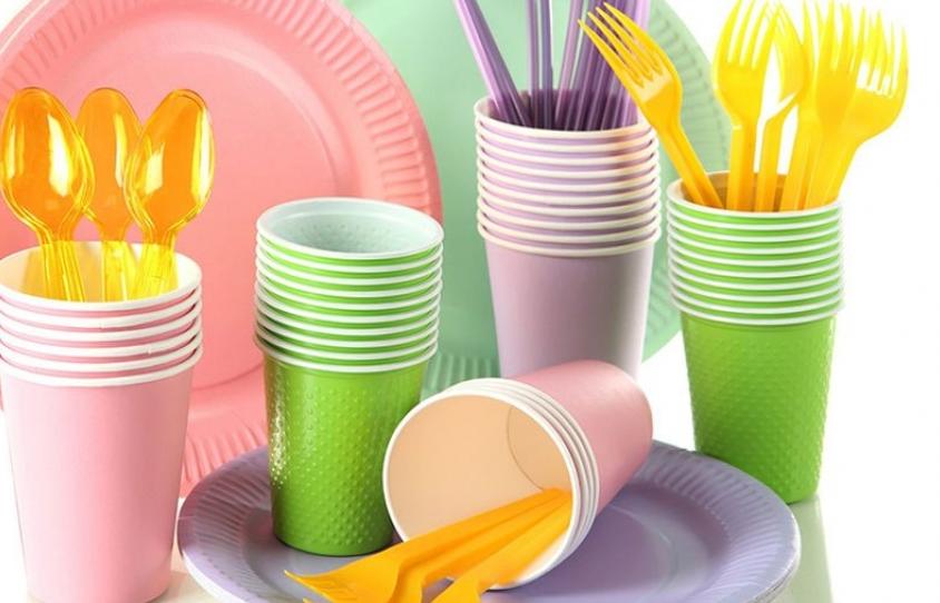 В Молдове запретили пакеты и посуду из пластика: нарушителей ждут штрафы